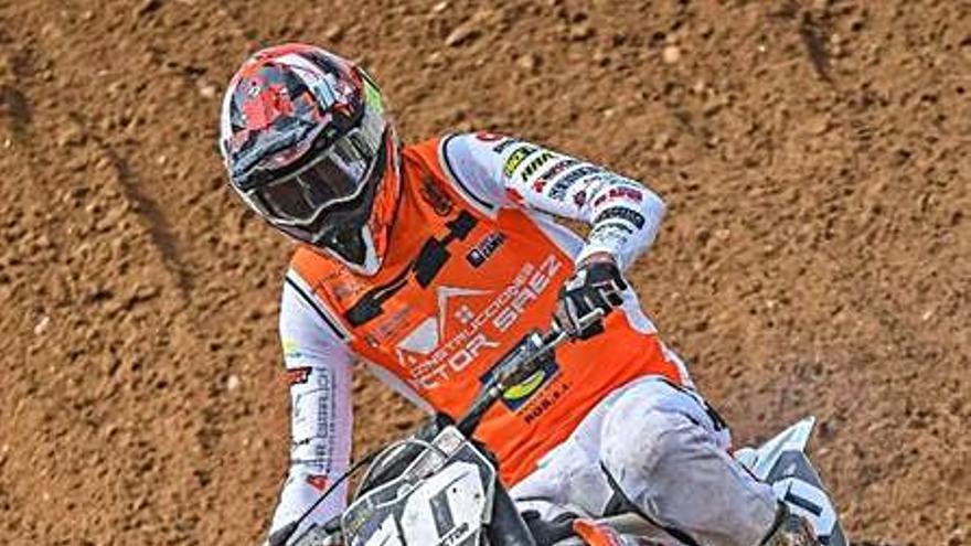Víctor Sáez logra la victoria en la carrera de cross de 125 c.c. de Alcora