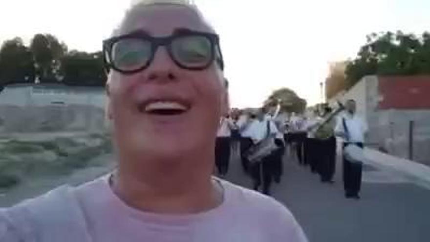 """""""Me he alquilado una banda de música para mí solo"""""""