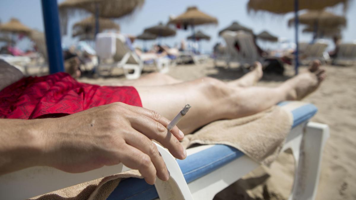 Casi el 25 % de la población valenciana mayor de 15 años fuma diariamente, según establece la última actualización de la GVA.