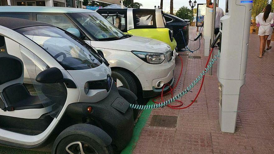 El Govern destina 10 millones a puntos de recarga eléctricos