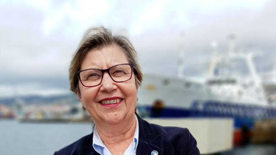 Rosa Quintana, la primera del Gobierno de la Xunta en vacunarse