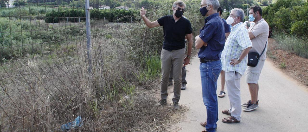 Regantes de Simat y Benifairó confían en que Agricultura asuma parte de la instalación del goteo