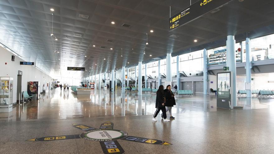 El aeropuerto de Vigo estrena una gélida temporada de invierno