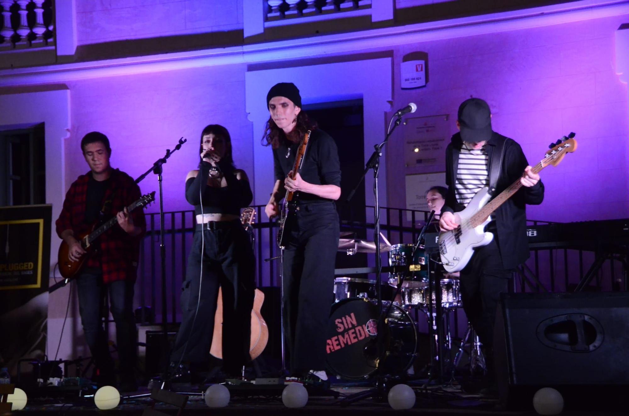El concurs Llumplugged celebrat a la Torre Lluvià de Manresa, en imatges