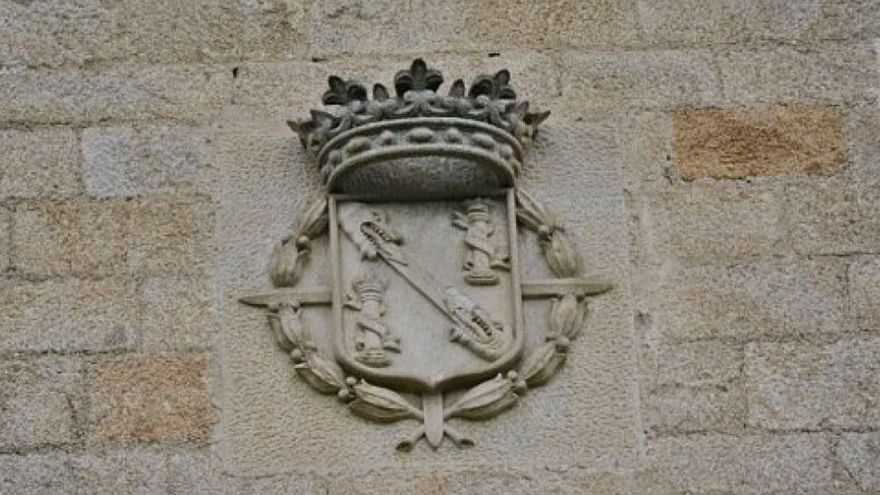 Los Franco defienden que tienen derecho a llevarse del Pazo de Meirás el sepulcro que mandó labrar Pardo Bazán