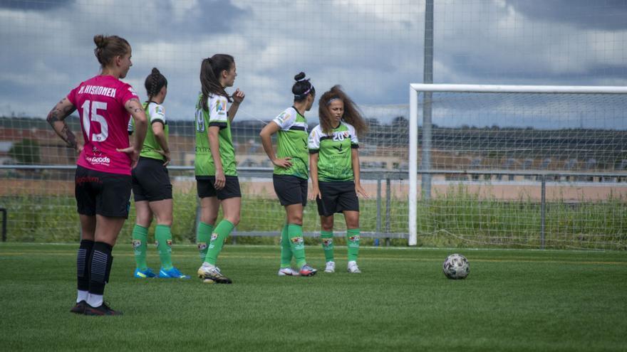 Primer triunfo del Femenino Cáceres en fase de ascenso