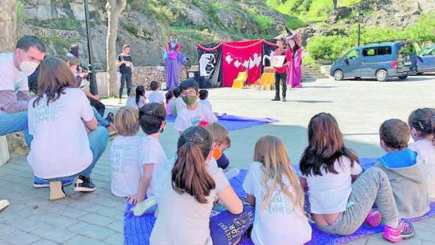 Escola Valenciana repartix un milió de llavors en les ReTrobades