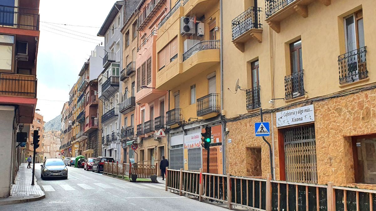 El carrer Alcoi de Xixona.