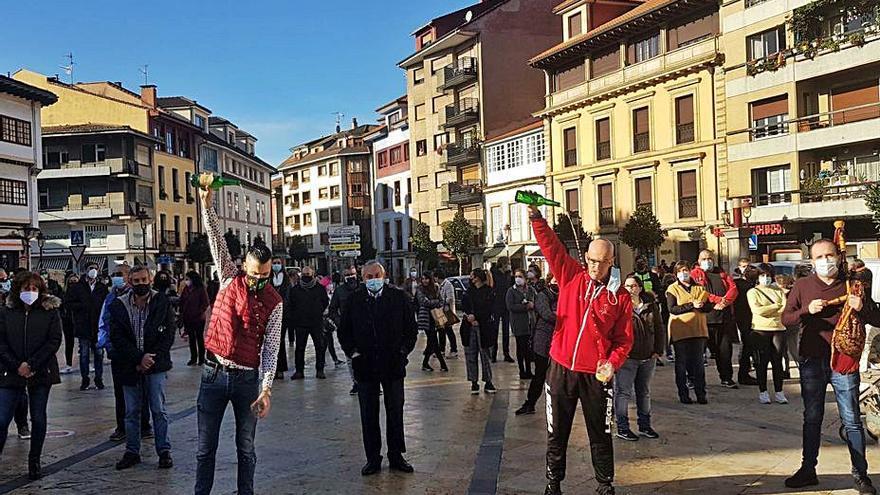 """Los hosteleros de la Villa vuelven a reclamar la apertura: """"Es una necesidad"""""""