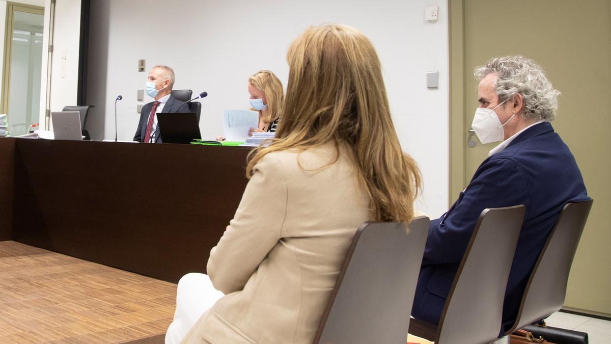 Un momento del juicio a Ildefonso Falcones y su mujer