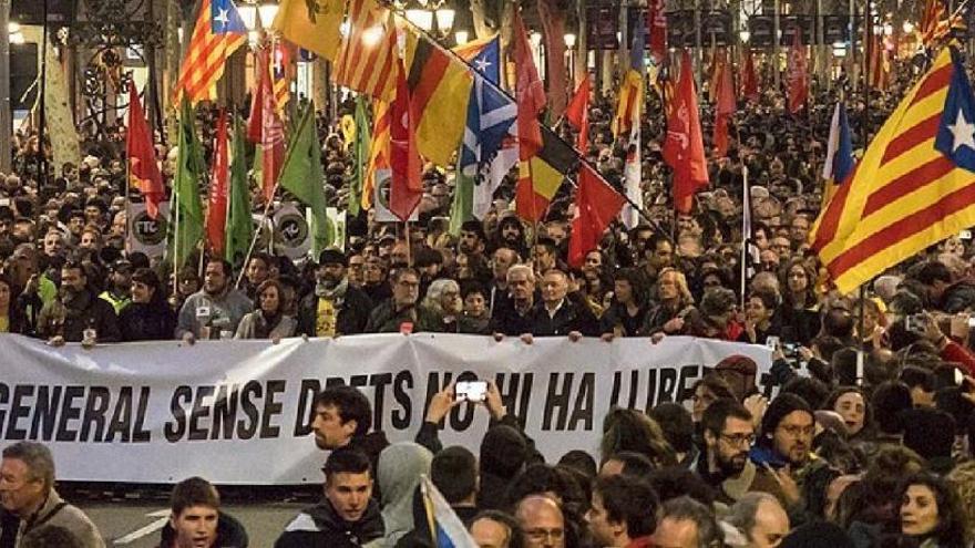 Sindicats independentistes convoquen una vaga general