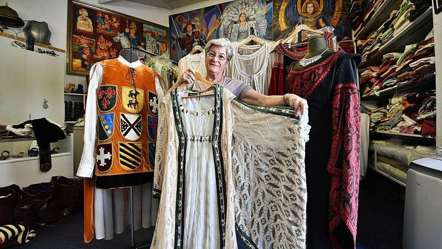 Los trajes medievales que llegaron desde Poio a China