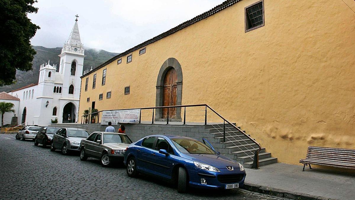 Exterior del antiguo convento de San Sebastián, en Los Silos, una de las sedes provisionales del Ayuntamiento norteño.