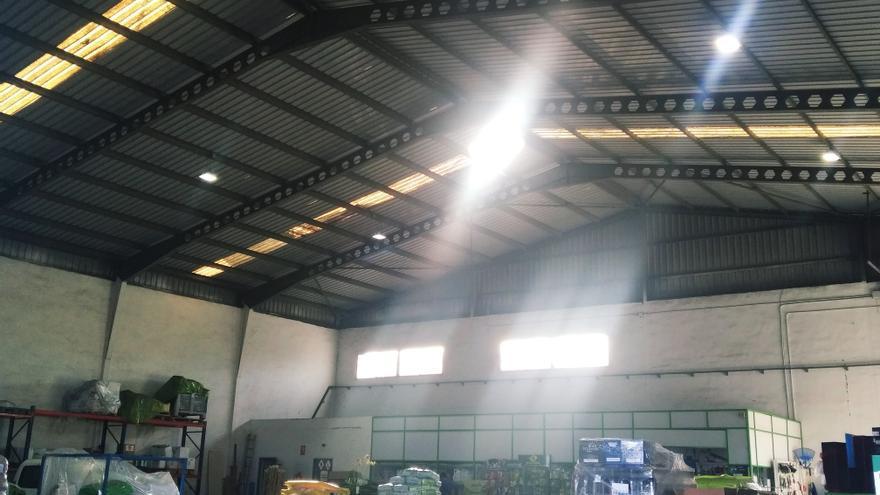 Fallece un trabajador de 43 años en Pego al caer del tejado de una nave industrial