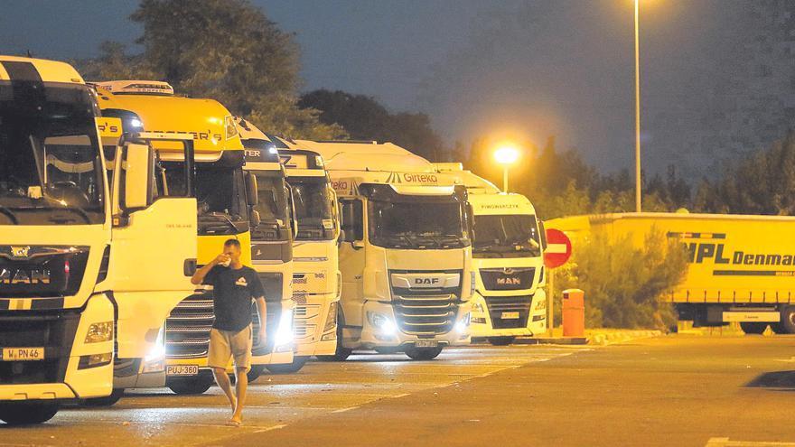 La subida del combustible lastra la recuperación del transporte en Castellón