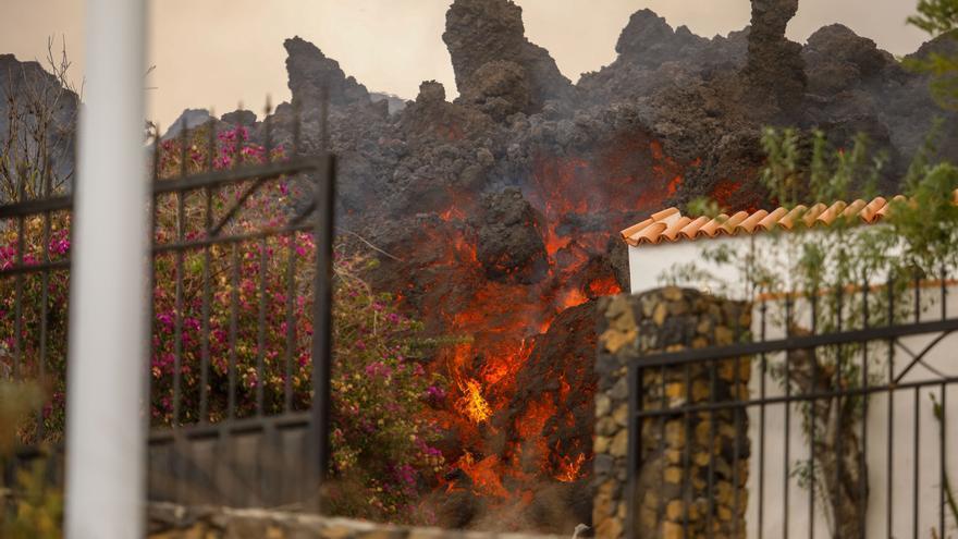 La erupción del volcán afecta a la principal zona pesquera de la isla