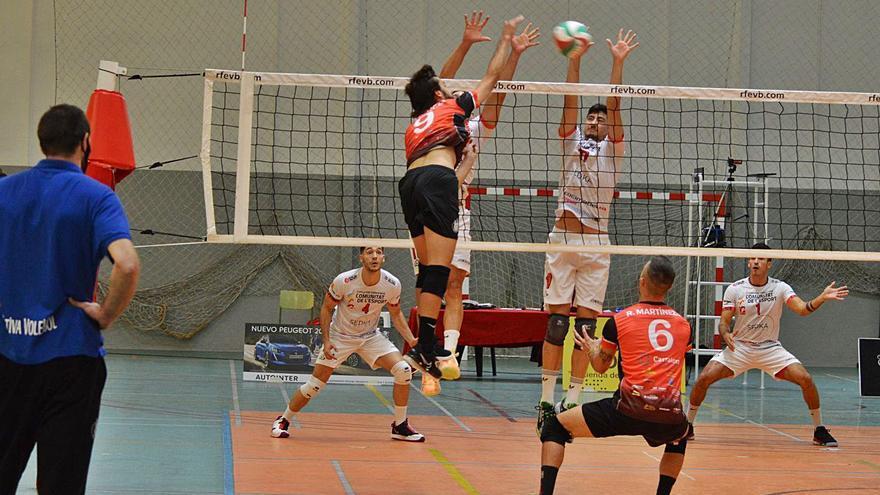 Los senior del Xàtiva Voleibol debutan en la liga de plata nacional con derrota
