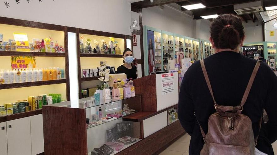 La contratación de mayores de 45 años en Canarias cae un 73% en abril