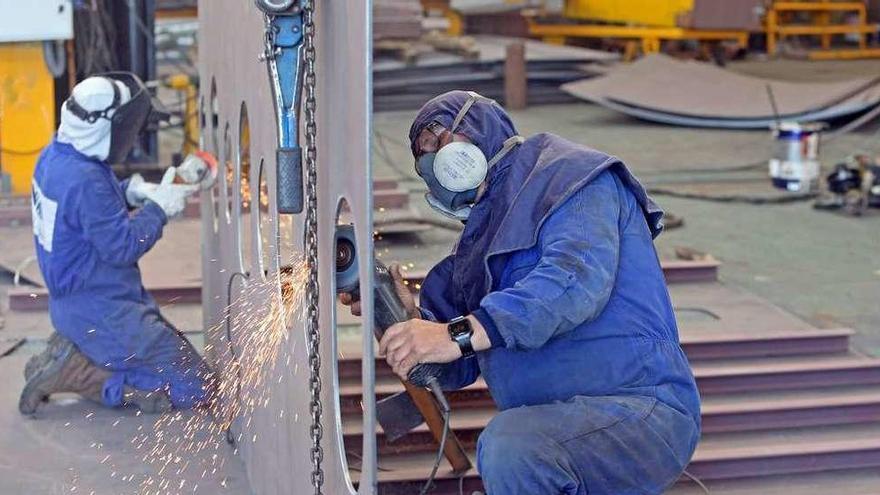 El metal asturiano, al 64% de su capacidad, no espera una recuperación rápida