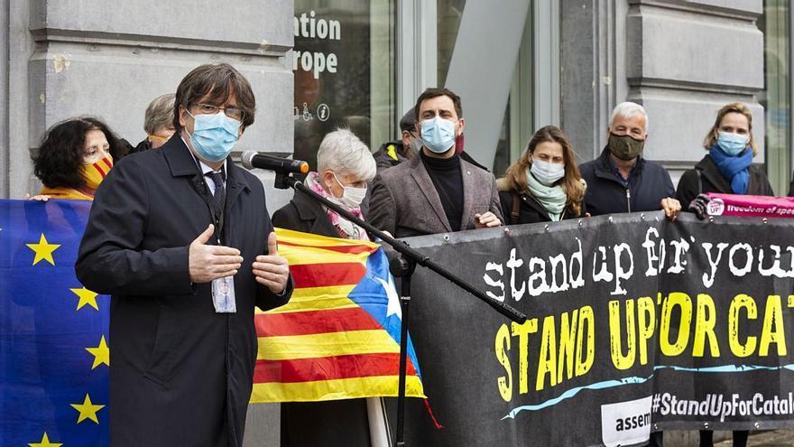 Puigdemont, Comín i Ponsatí perden la immunitat