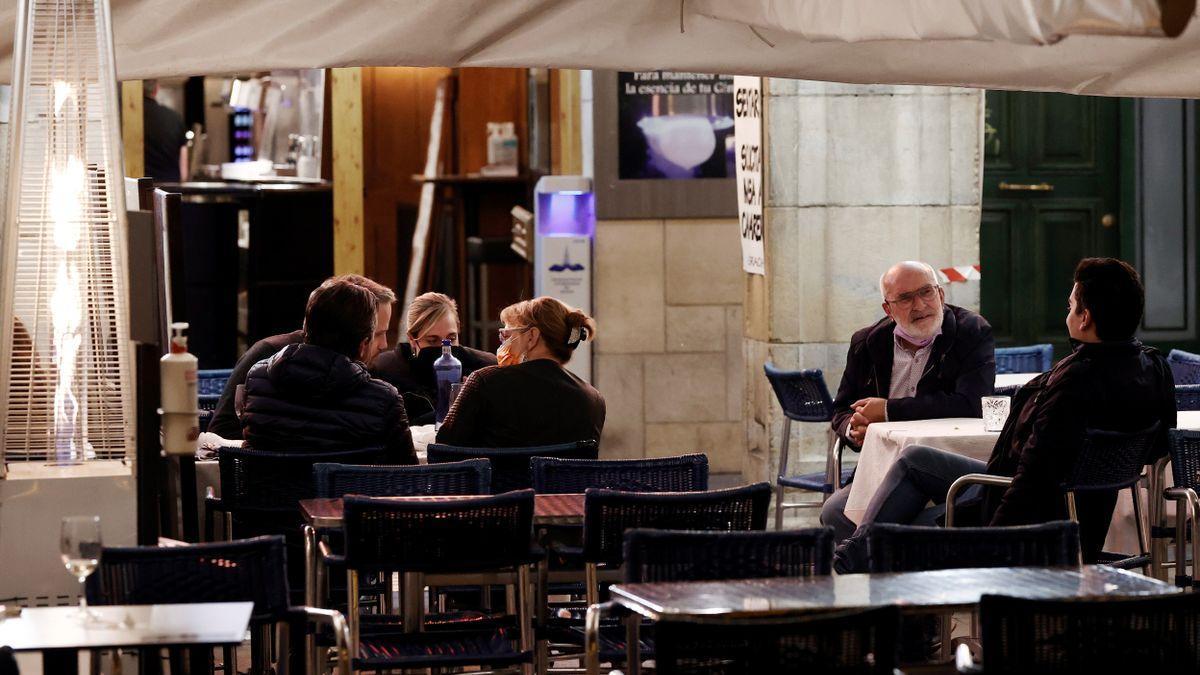 El TSJC ratifica la limitación de personas en encuentros sociales