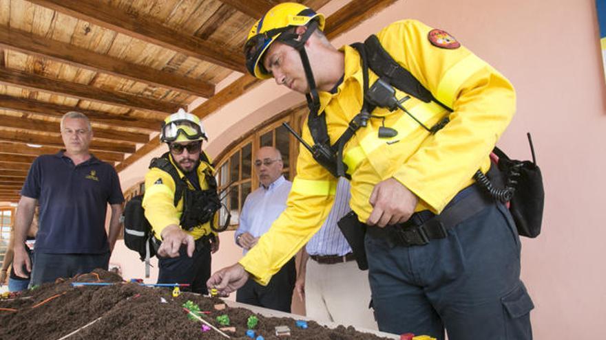 La batalla contra el fuego moviliza  a 233 personas durante este verano