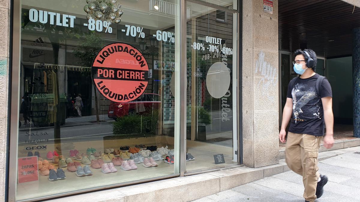 Comercio y liquidación por cierre a causa del Covid en Vigo.
