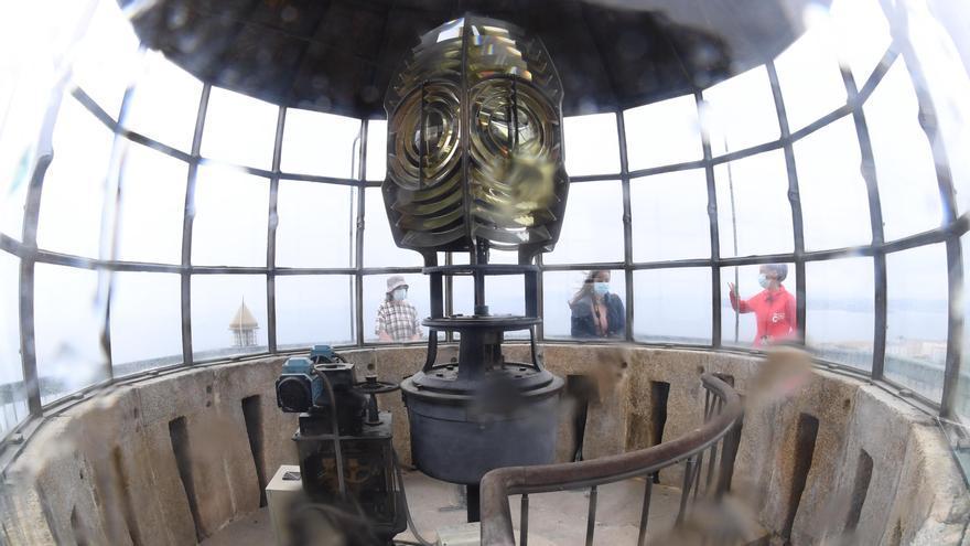 La Torre de Hércules abre su luminaria a las visitas