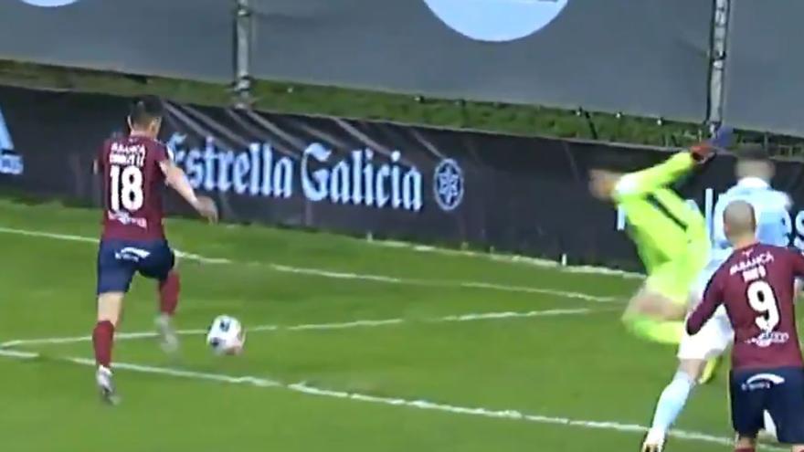 El Pontevedra deja escapar dos puntos en el último suspiro