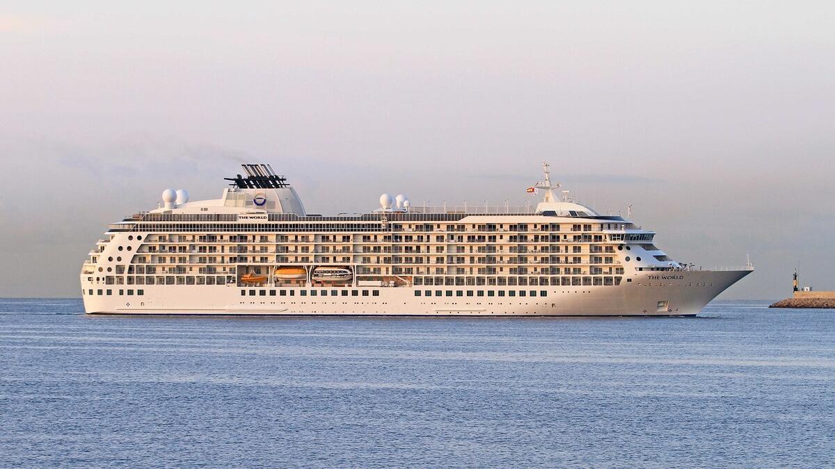 El crucero 'The World' entraba esta mañana en el Puerto de Palma