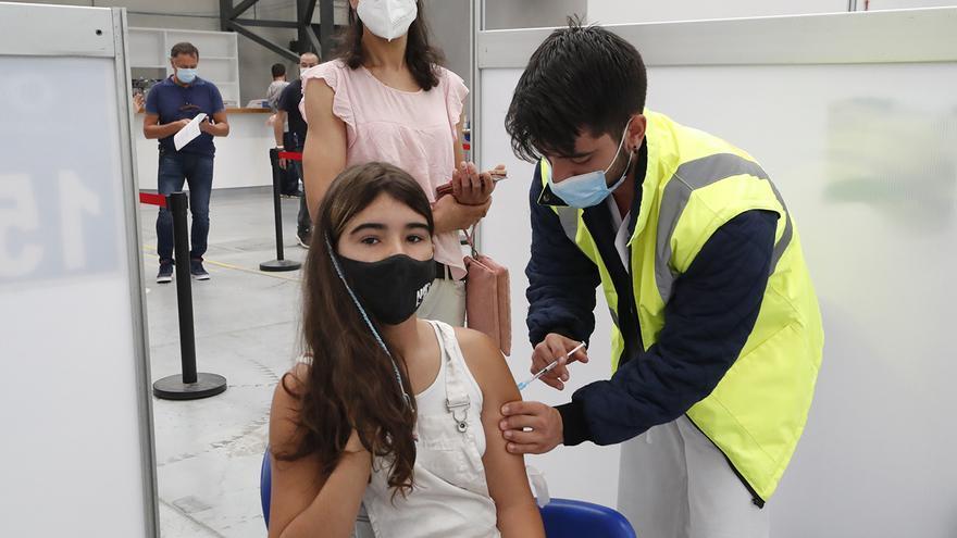 Sanidade reserva 30.000 viales para la vacunación sin cita contra el COVID