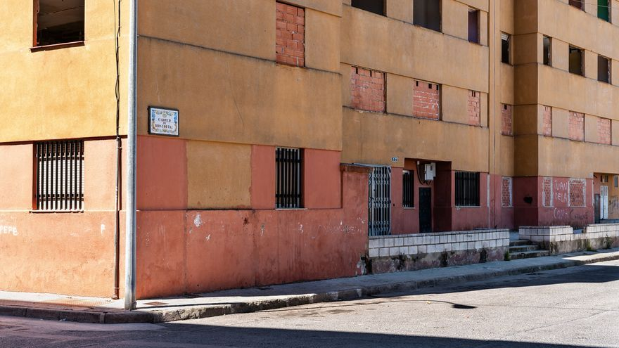 El Consell ordena la demolición de un grupo de cien viviendas en el Raval de Algemesí
