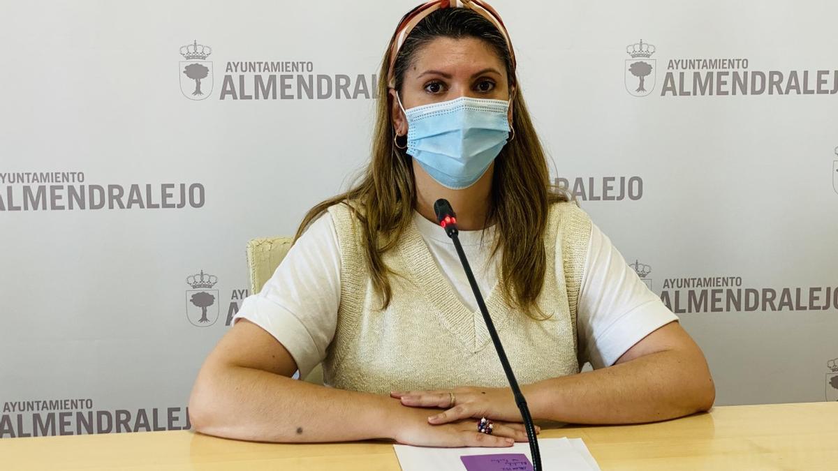 Isa Ballesteros, concejala del ayuntamiento de Almendralejo