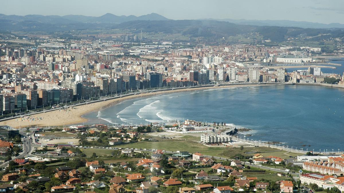 Vista aérea de Gijón.