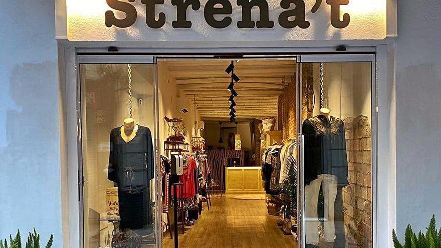 Strena't de Roses dobla l'espai de venda en la nova botiga del carrer Pi i Sunyer