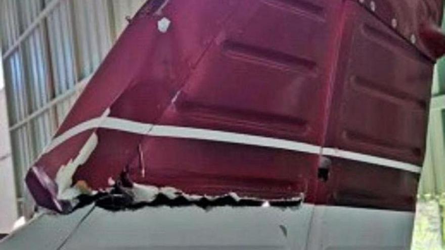 Un avioneta que chocó con un cable eléctrico en Tenerife simulaba un aterrizaje en una autopista