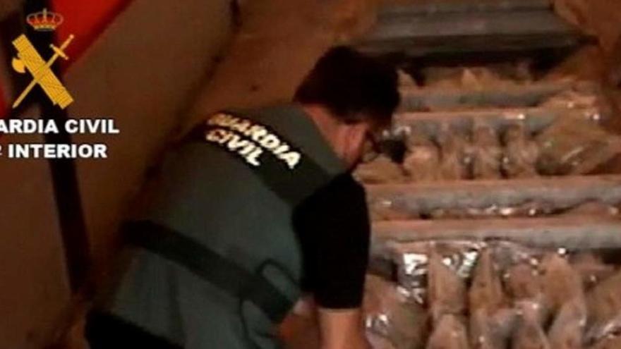 Detenidos 24 miembros de una red que llevaba droga en camiones desde Cádiz a Europa