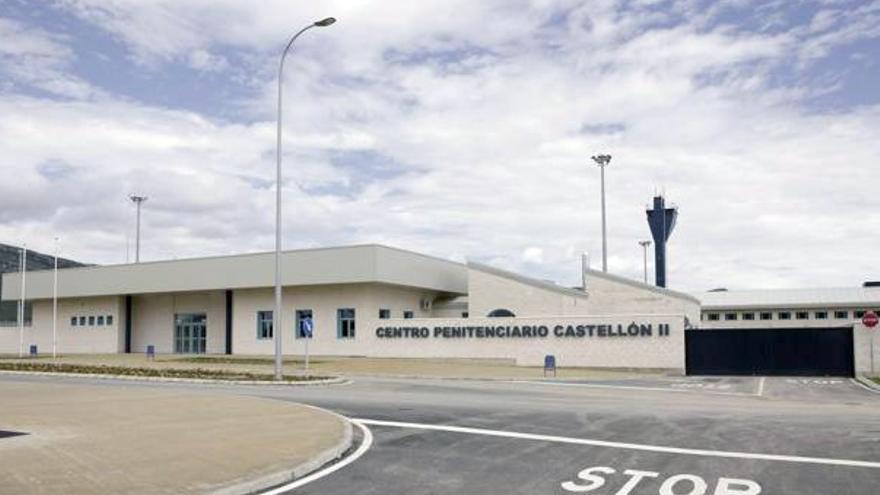 Un preso provoca un incendio en la cárcel de Castellón