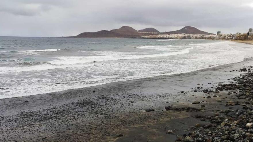 Así amaneció la playa de Las Canteras (05/03/21)