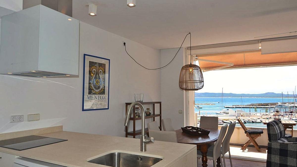 Un apartament turístic a l'Estartit. | ACN