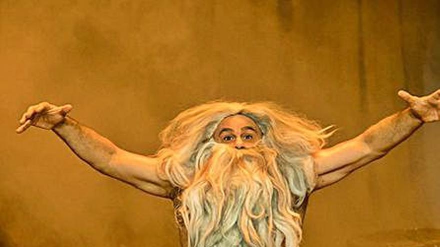 Xavi Castillo  enceta hui el cicle d'humor al Teatre del Raval de Gandia