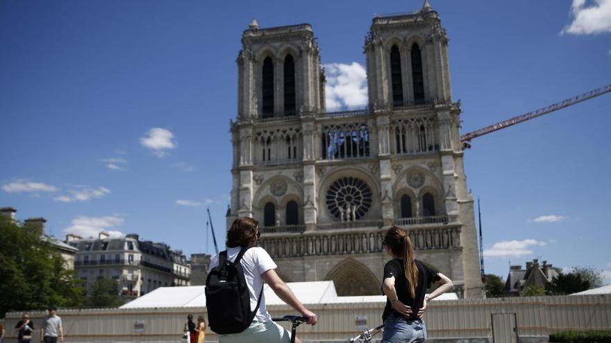 La catedral de Notre Dame reabre su explanada