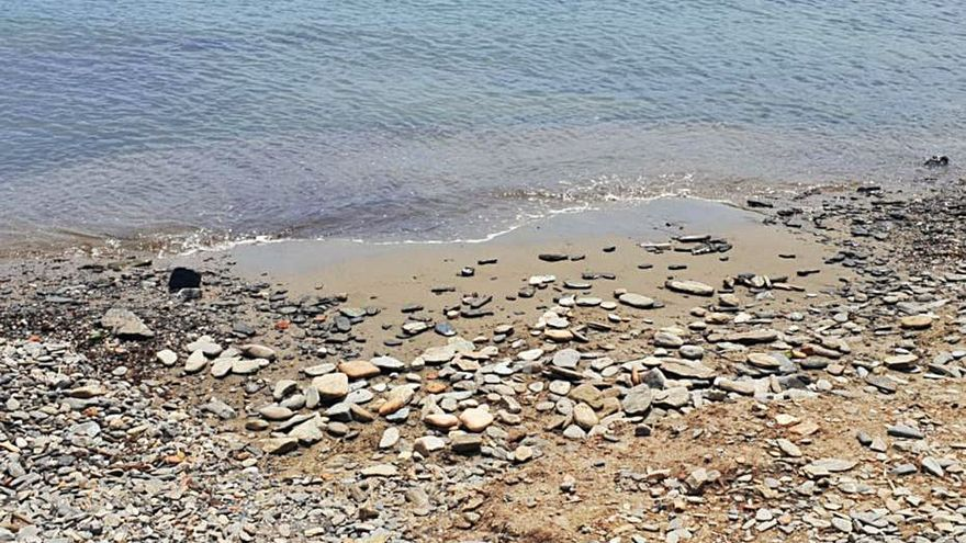 Alerten de la pèrdua de còdols a les platges de Cadaqués