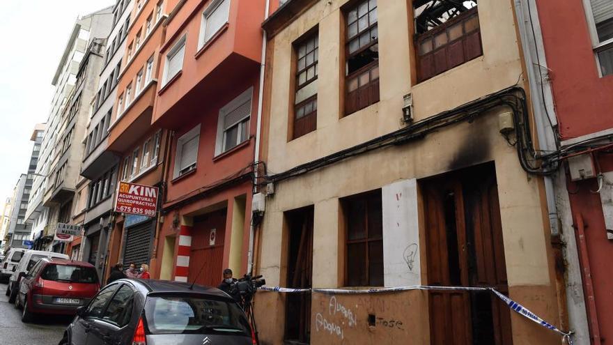 La investigación del incendio de la casa de Os Mallos apunta a que fue intencionado