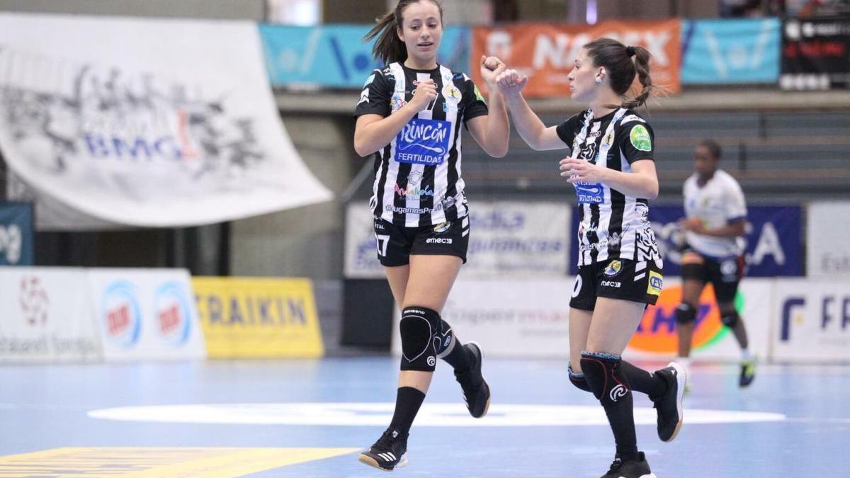 """Isabelle Medeiros y Espe López son, junto a Sole López, las tres """"panteras"""" nominadas."""