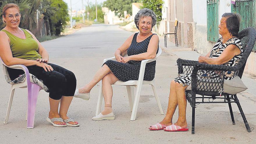Los corros al fresco, que aspiran a ser Patrimonio de la Humanidad, sobreviven en los barrios murcianos
