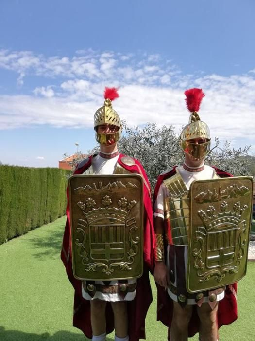 Els nostàlgics de les confraries de Manresa porten la processó als balcons