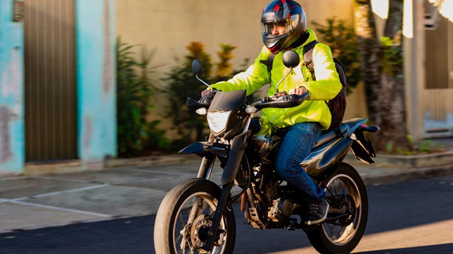 ¿Tienes carnet, uso y manejo de moto de 125 cc? Te buscamos
