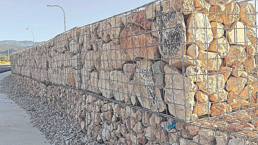 No vagi per dit | Sevillano la vuelve a armar con la jaula de piedras del Consell