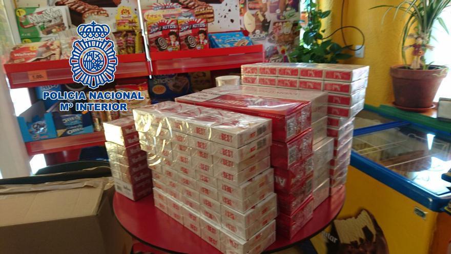La Policía se incauta de casi 500 cajetillas de tabaco de contrabando en establecimientos de la Fuensanta y el Sector Sur